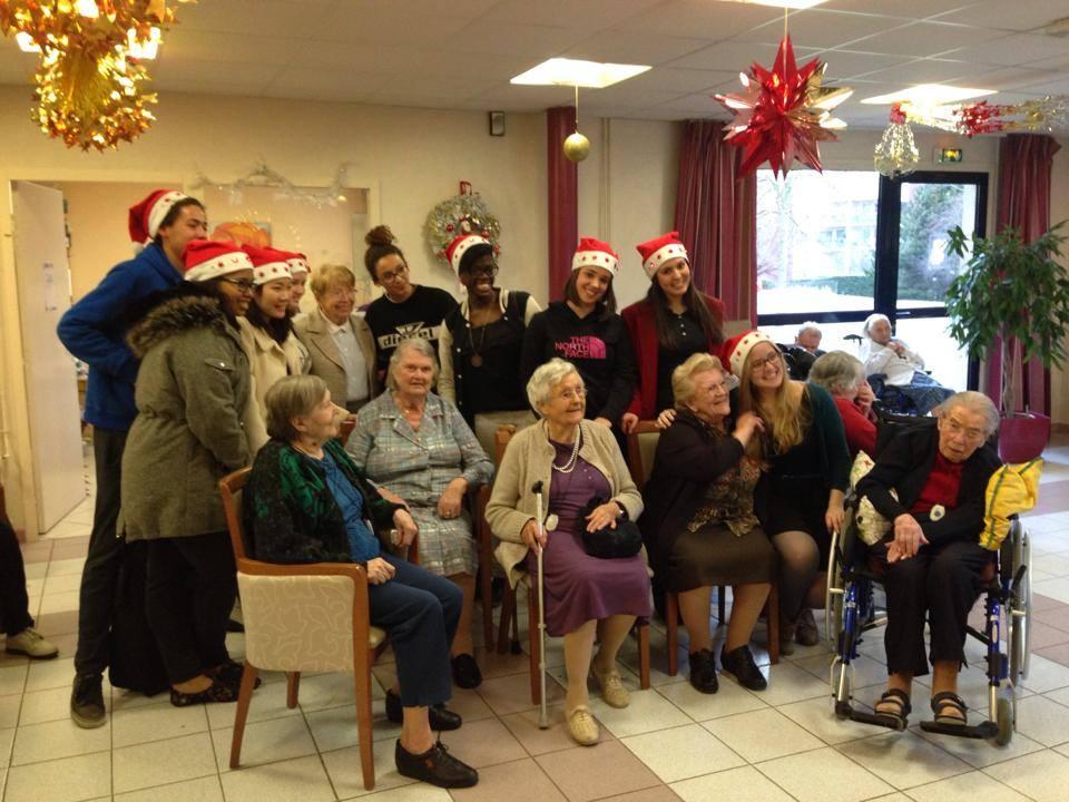 NDIHS-choir-at-a -local-nursing-home